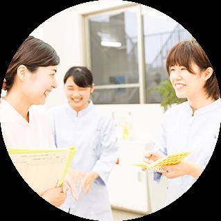 大阪ペピイ動物看護専門学校の生徒たち